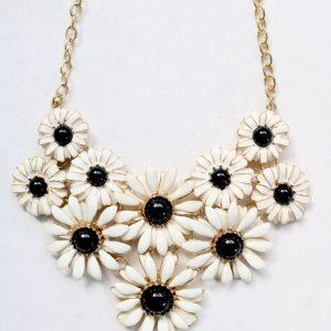 Daisy Black Necklace